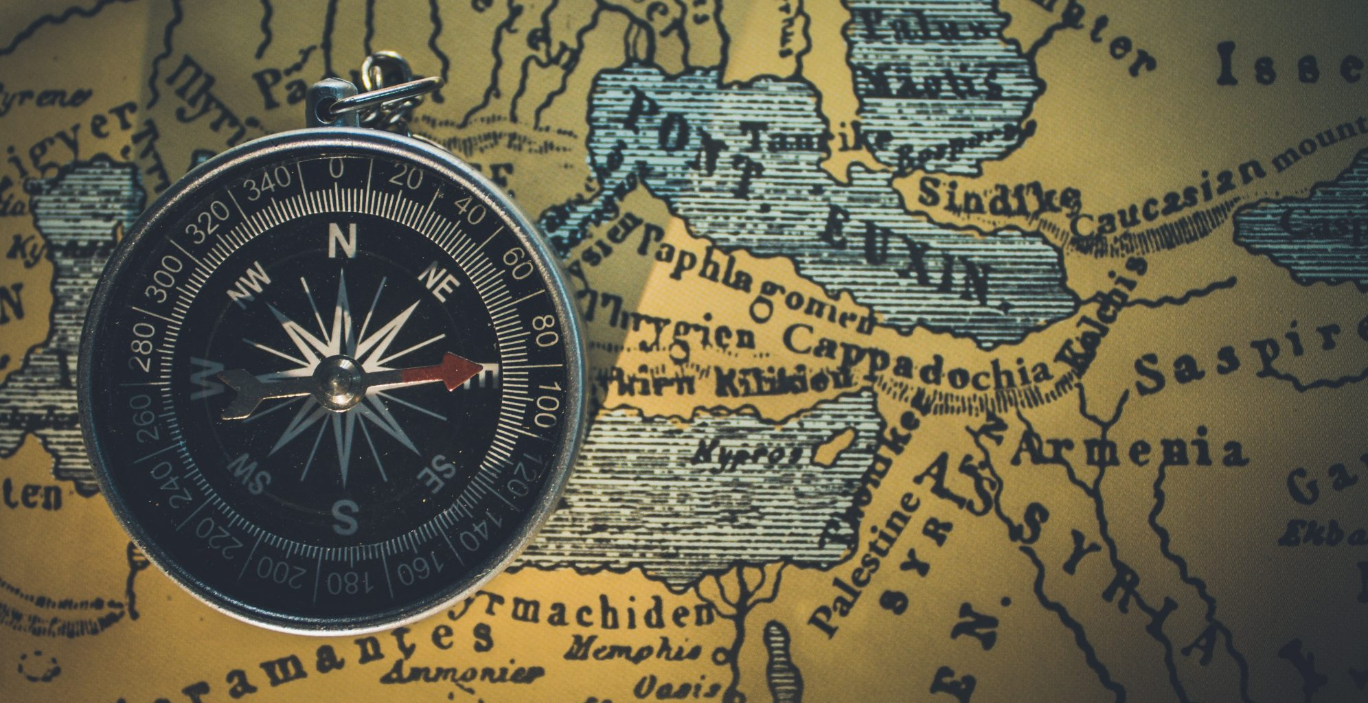 mappa vintage e bussola